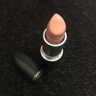 Mac 裸粉色唇膏
