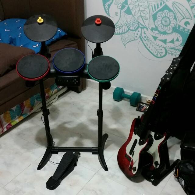 Guitar Hero Set - Drums And 2 Guitars