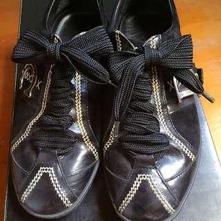 正品9成新dior平底休閒鞋23、5號