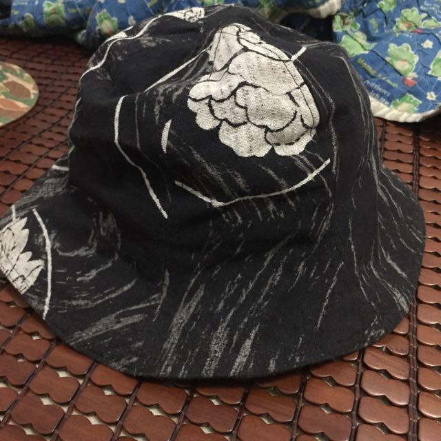古著漁夫帽黑底白花圖騰