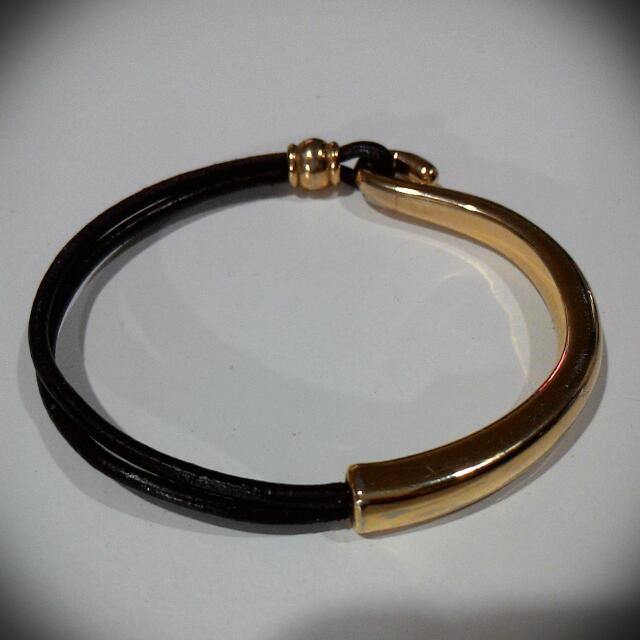 金色皮質手環