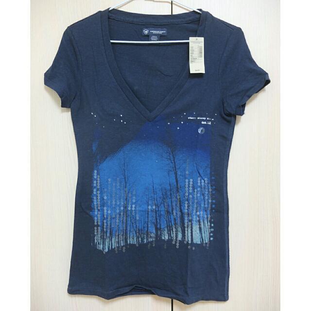 AE V領深藍色T-shirt