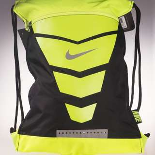 Nike 螢光綠高階版後背束口袋