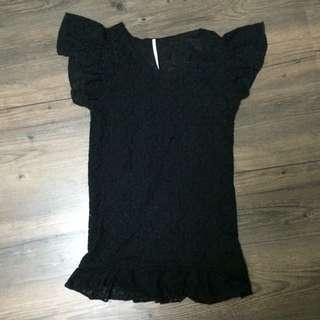 黑色 蕾絲 荷葉袖 短T