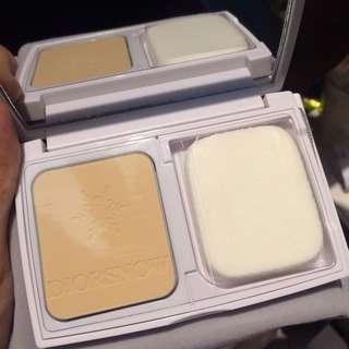Dior 雪晶靈美白粉餅