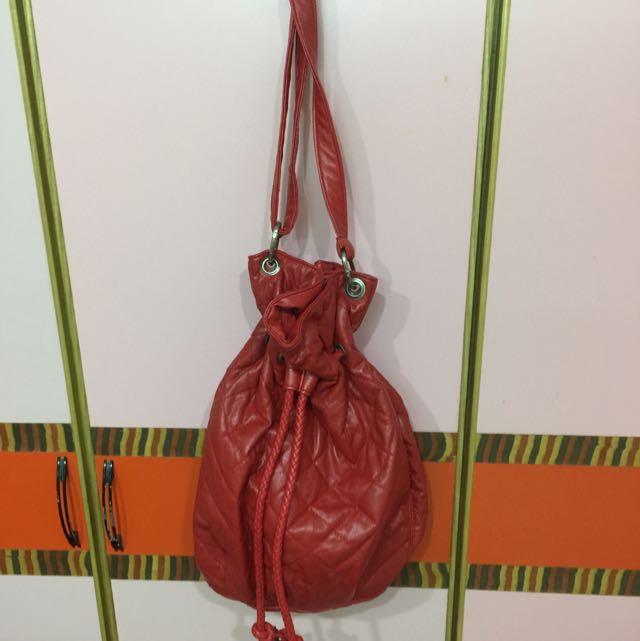紅色大水桶包