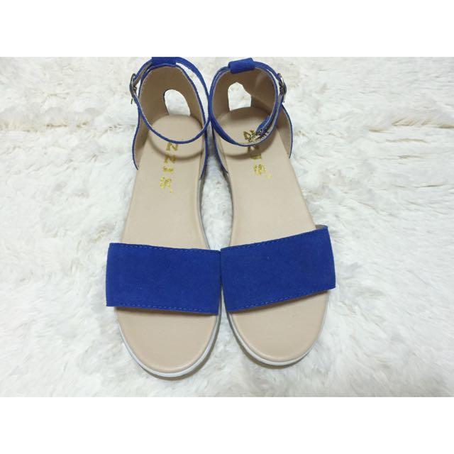 夏天必備一字涼鞋 寶藍色 23號 全新售出