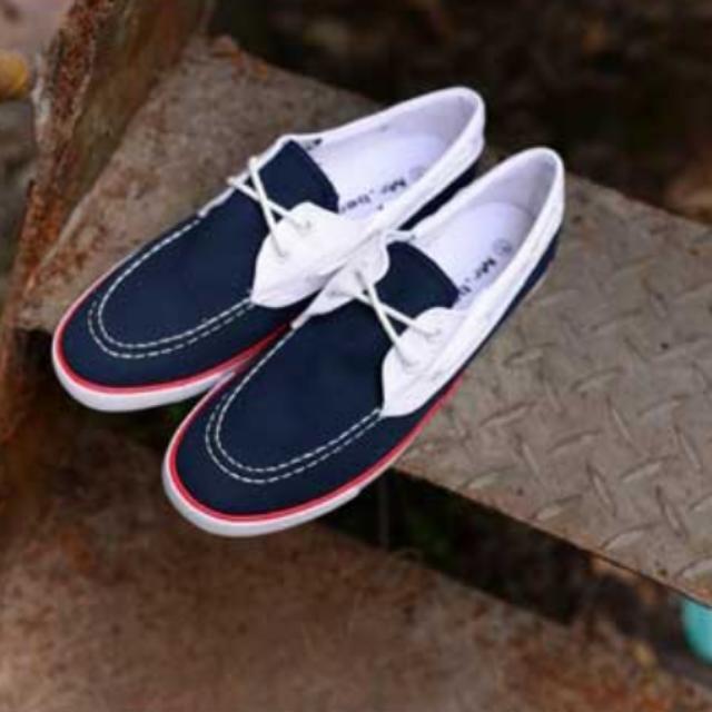 潮流低款帆布鞋