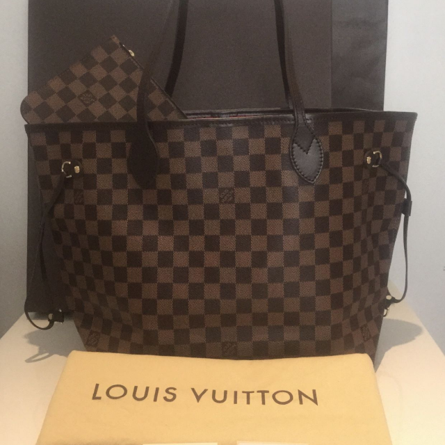 Louis Vuitton Damier Ebene Neverfull MM Shopping Tote Bag Authentic New,  Luxury on Carousell 481b94e476c
