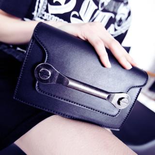 黑色個性大金屬配件裝飾包包