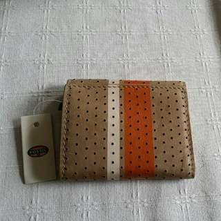 NEW- FOSSIL short leather wallet