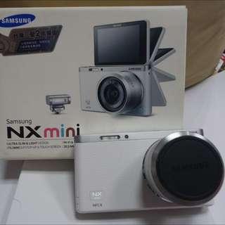 Samsung NX mini 自拍變焦相機-白