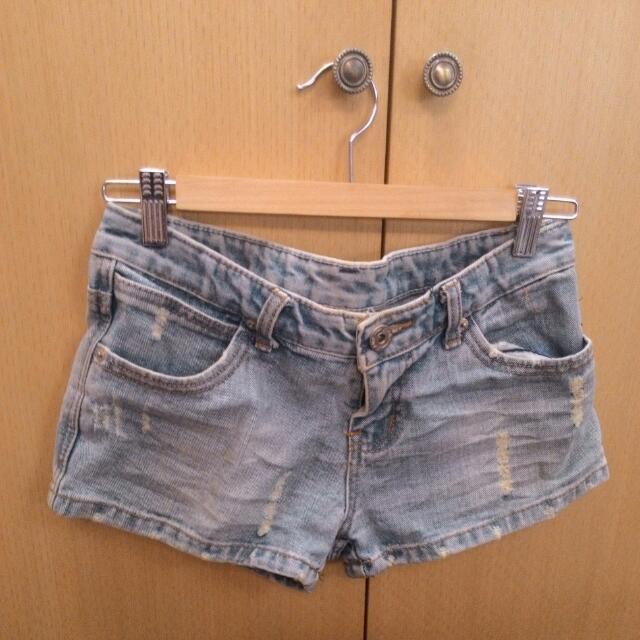 二手 刷舊刷破牛仔短褲/熱褲 S 淺藍