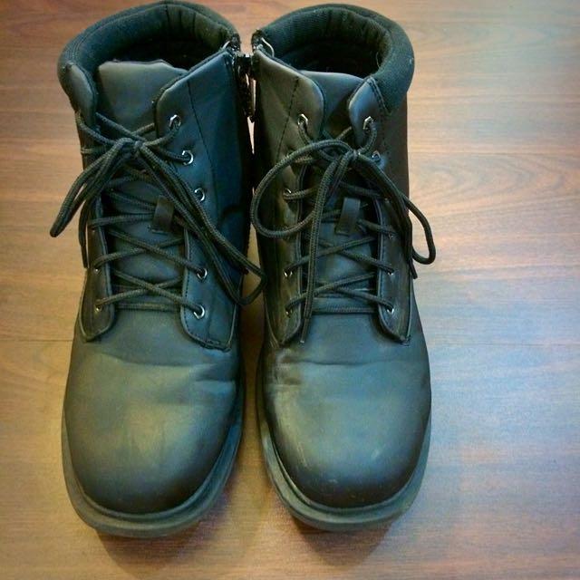 ESKT 黑色男用雪靴US10(八成新)