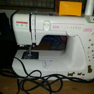 八成新家用縫紉機