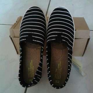 條紋帆布休閒鞋 黑色