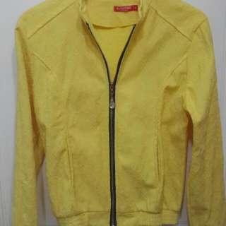 黃色印花外套