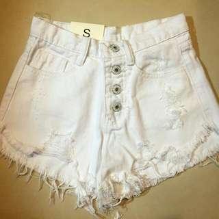 白色高腰牛仔短褲