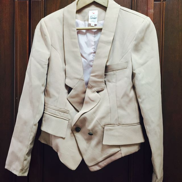 粉藕色西裝外套