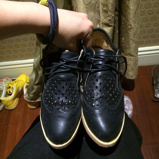 黑色洞洞牛津鞋