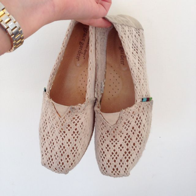 TOMS 鞋款 蕾斯嘍空便鞋(35)