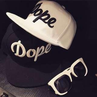 特價!今夏必備Dope字樣棒球帽