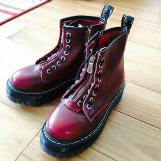 龐克紅牛皮8孔馬丁鞋