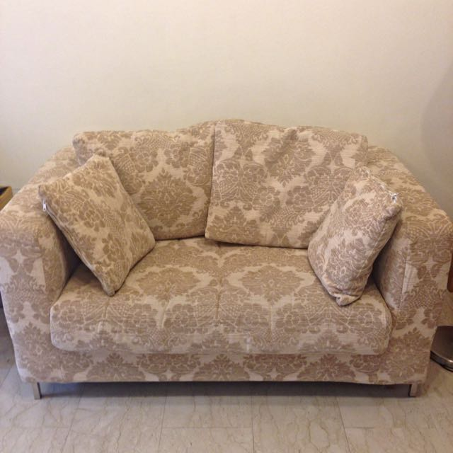 2 Seater Love Seat/sofa
