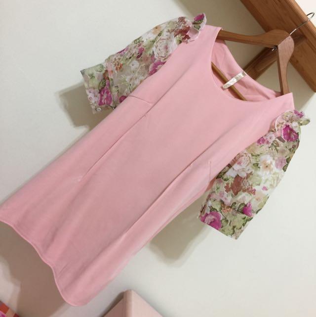 粉色 貼身 小洋裝 花袖子