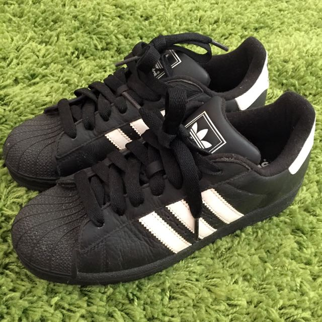 Adidas 基本款superstar