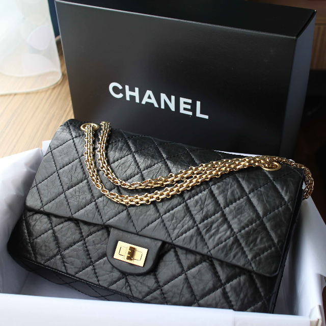 28a1ba2d3cf4 Limited Edition 50th Anniversary Chanel Reissue 2.55 size 226, Luxury on  Carousell