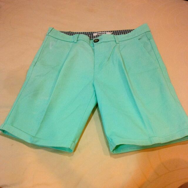 slim fit mint green shorts sz 29/30