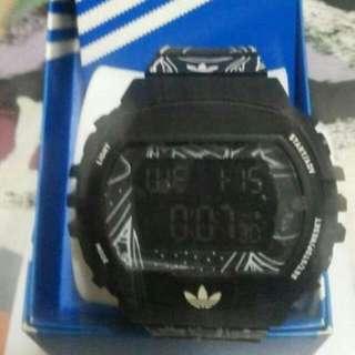 Adidas愛迪達 時尚手表 可議價