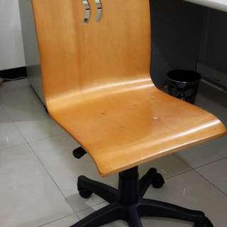 設計師人體工學設計 原木會議椅或電腦辦公椅搬家大平賣, 共有7張