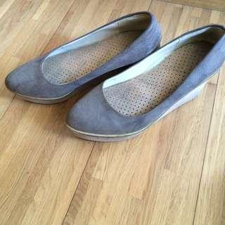 100含運!駝色楔形鞋