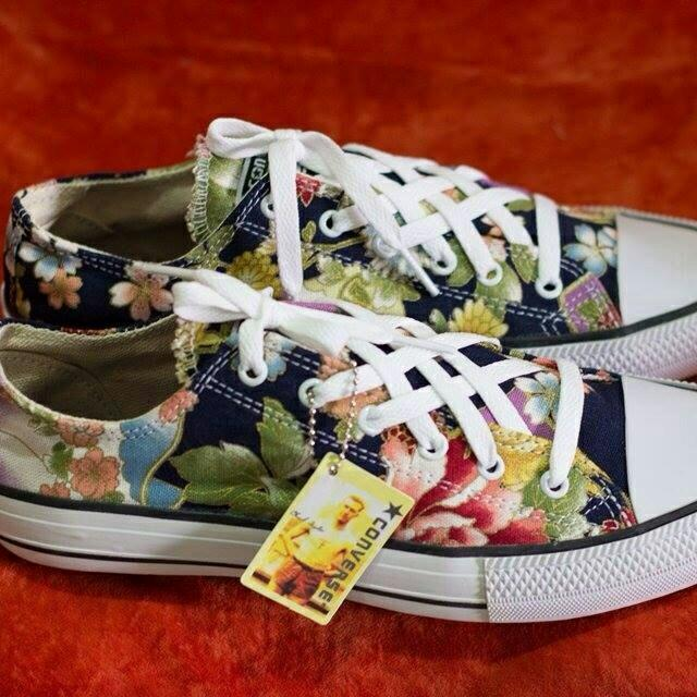 424fd65b693d Custom Made Converse Shoes