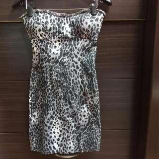 近全新,性感豹紋平口小洋裝