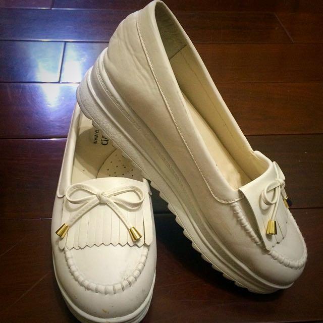 白色厚底莫卡辛鞋(近全新)