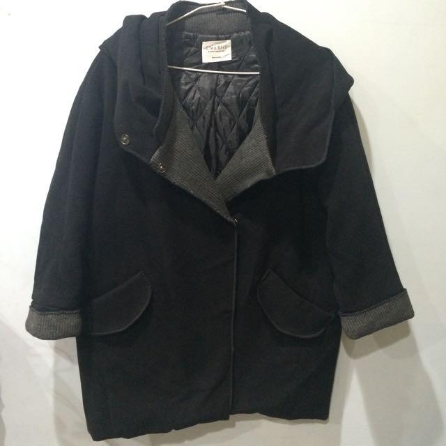 黑色厚款外套