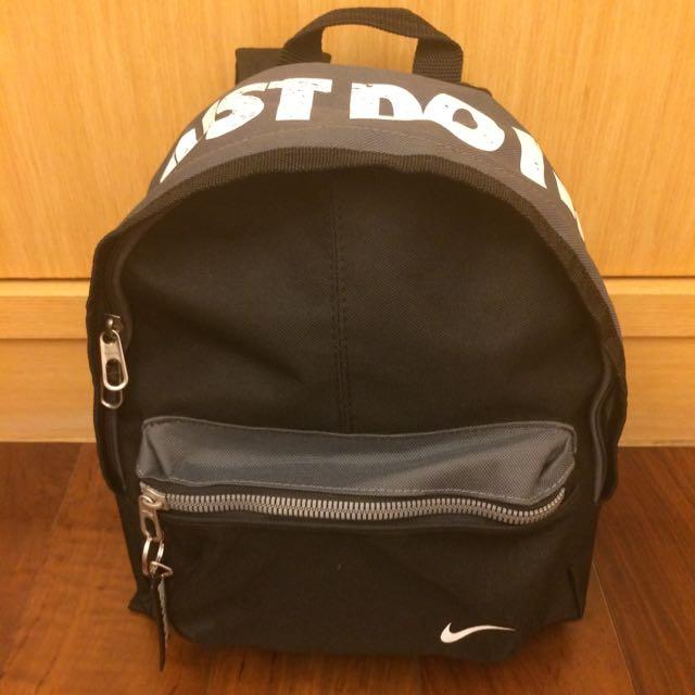 [近全新]Nike 後背小包