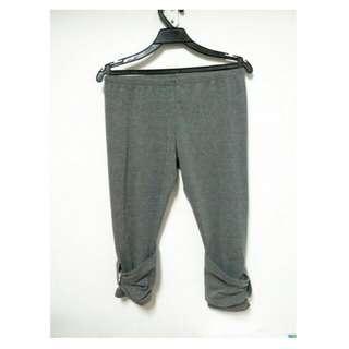 [二手] 灰色七分內搭褲