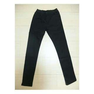 黑色彈力窄管褲