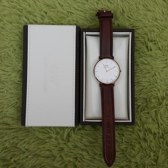 DW(中)手錶真皮錶帶(待匯款)