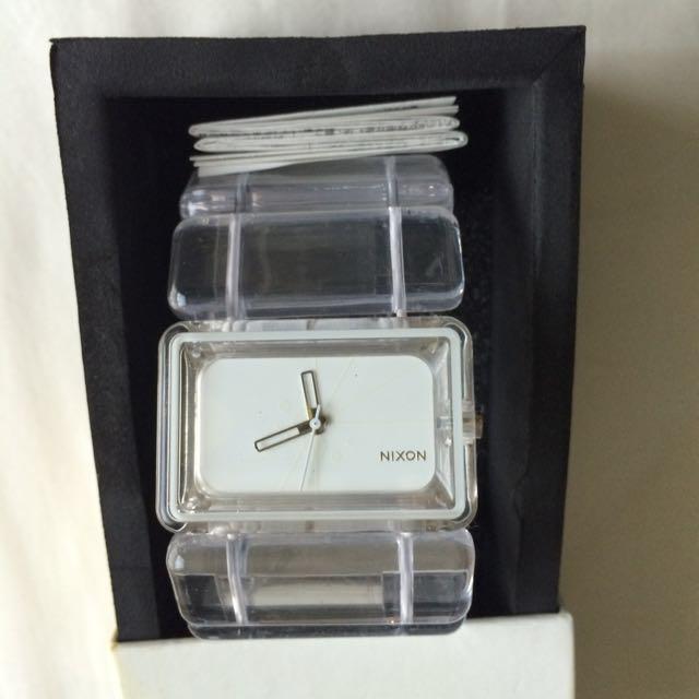 Nixon Vega 簡約透明壓克力手環手錶