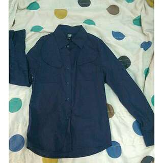 深藍色長袖襯衫
