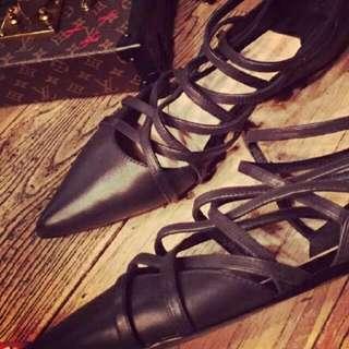 [全新工廠直營] 羅馬尖頭鞋 黑色