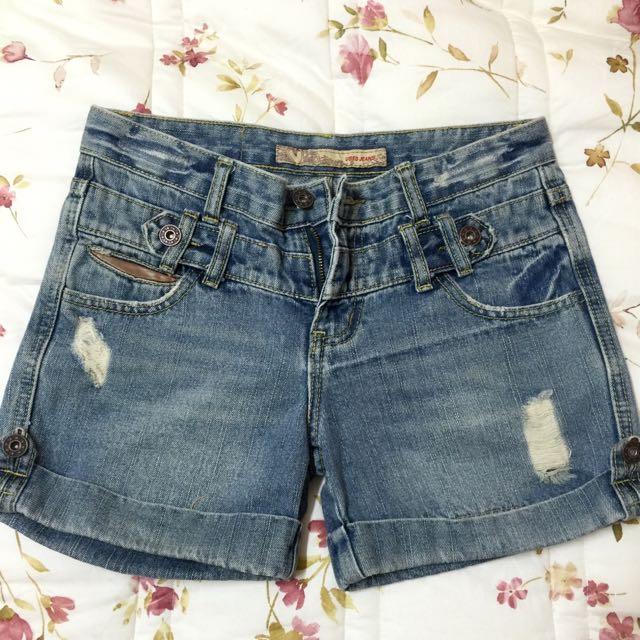 挺版刷色牛仔短褲