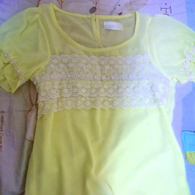 全新轉賣 蕾絲珍珠短袖嫩黃雪紡上衣