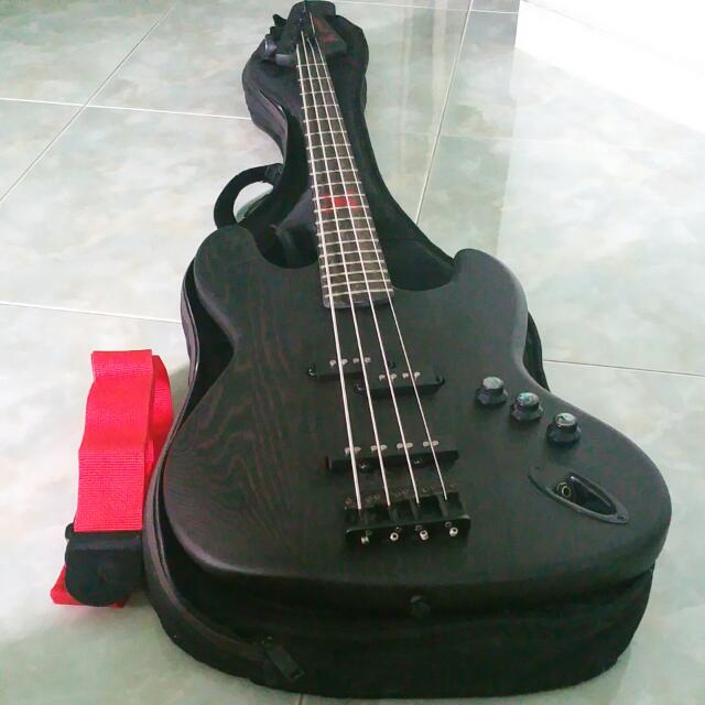 sx pirate bass guitar
