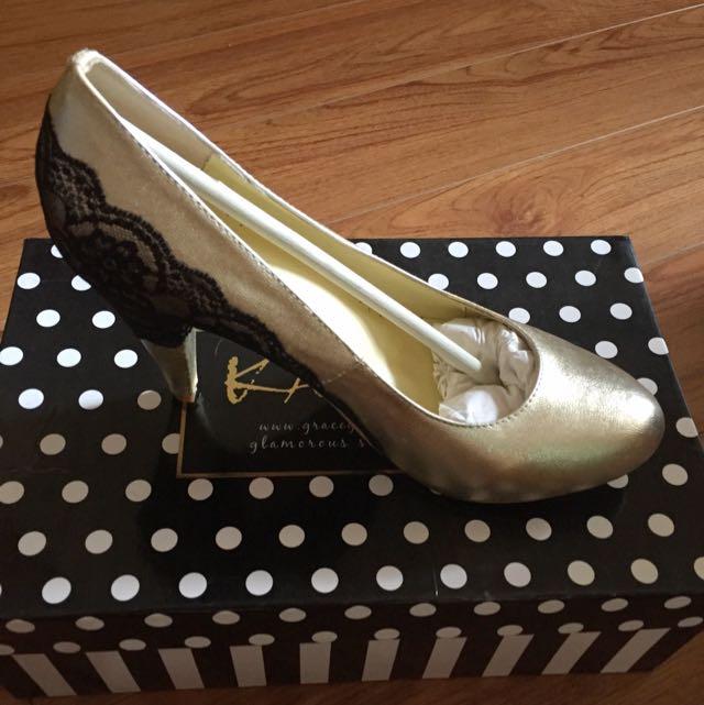 KAZANA蕾絲設計高跟鞋